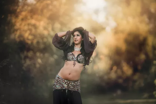 How Client Service and The Bash Help This Belly Dancer Expand Her Business